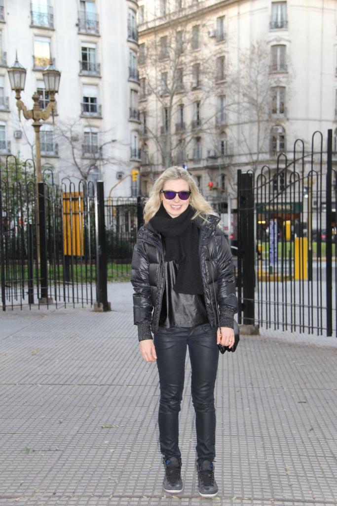 Mirella Buenos Aires all black 10