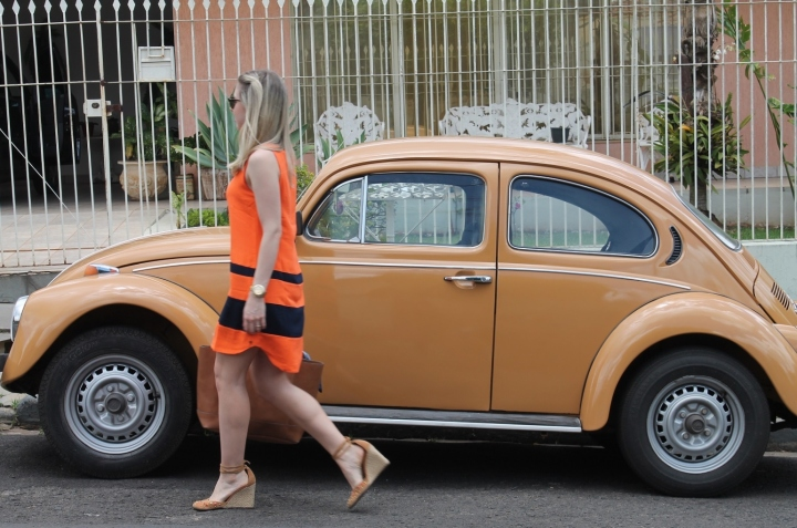 Mirella vestido laranja com marinho 1