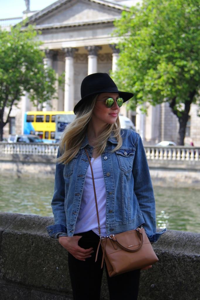 Mirella basic outfit 1