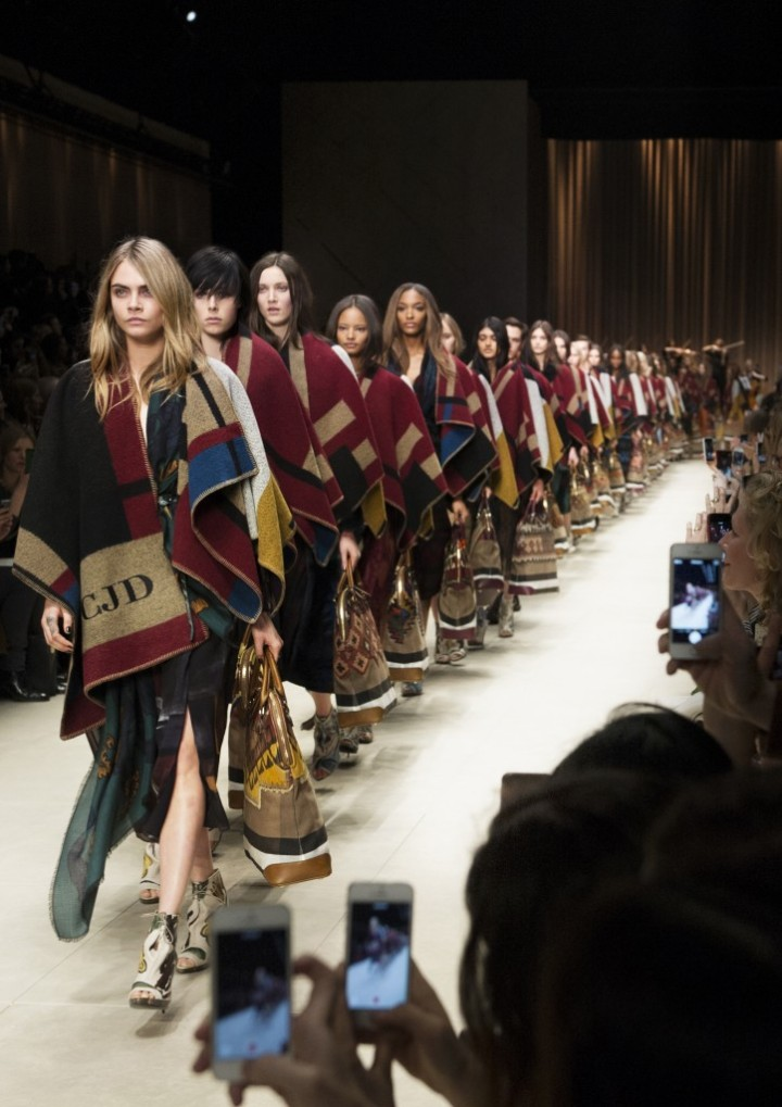 Burberry-Prorsum-Womenswear-Autumn_Winter-2014-Show-Final_002-723x1024