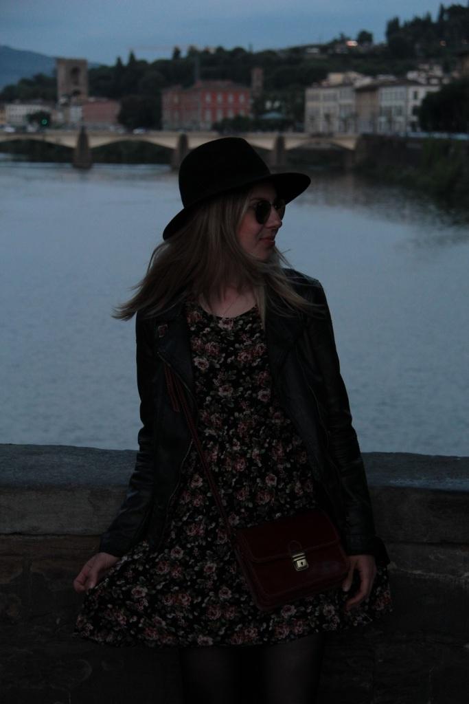 Mirella Firenze vestido floral 1