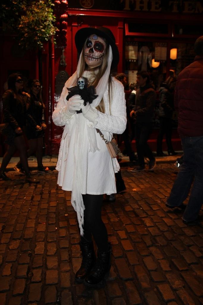 Mirella Halloween 10
