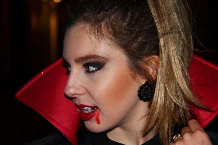 Mirella Halloween 13