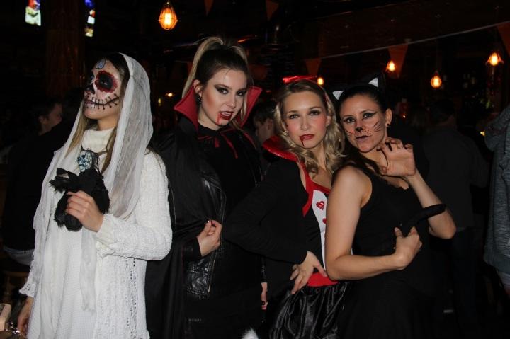 Mirella Halloween 14