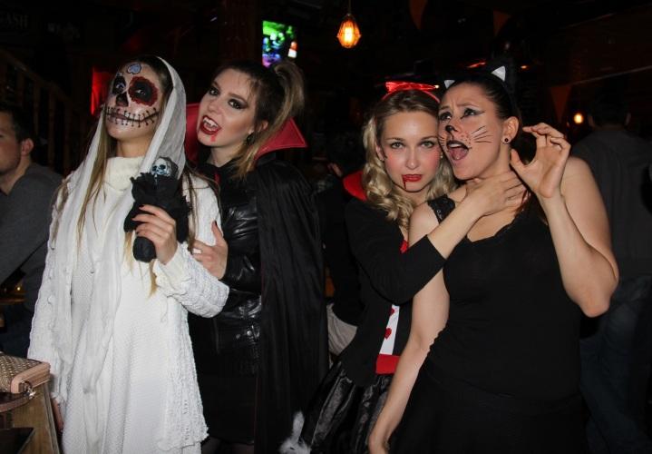 Mirella Halloween 15