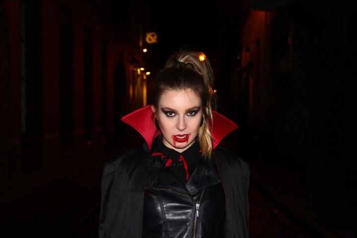 Mirella Halloween 4