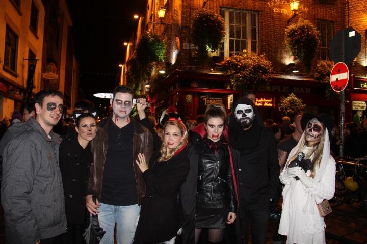 Mirella Halloween 9