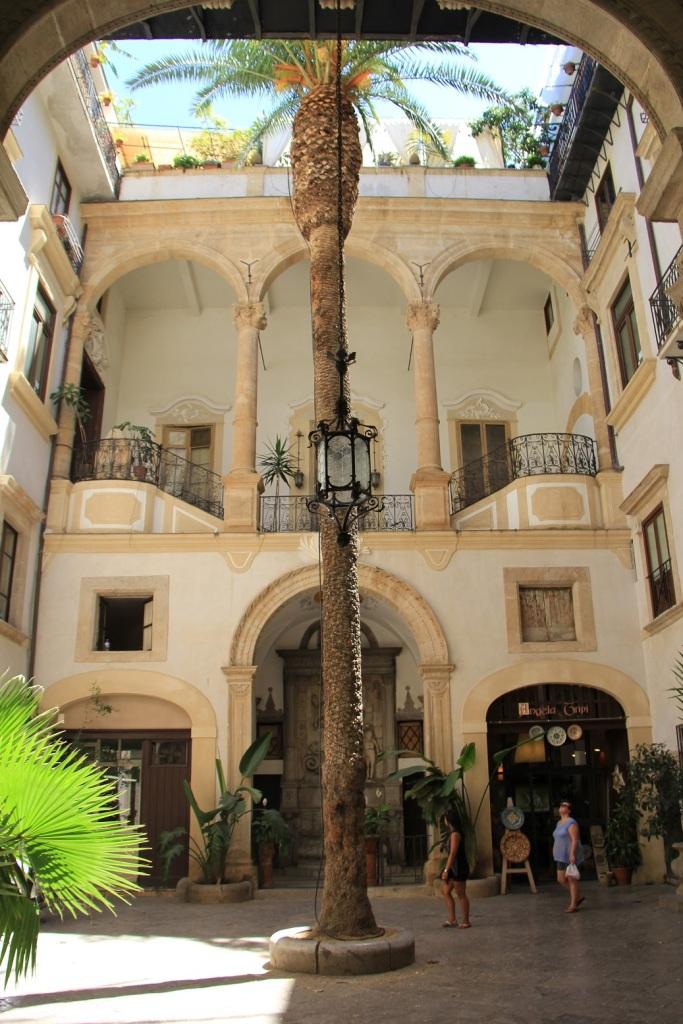 Palermo Mirella 13