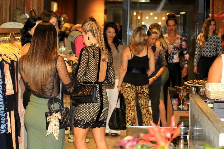 Mirella_Natalia_Baroni_Boulevard_Shopping_28