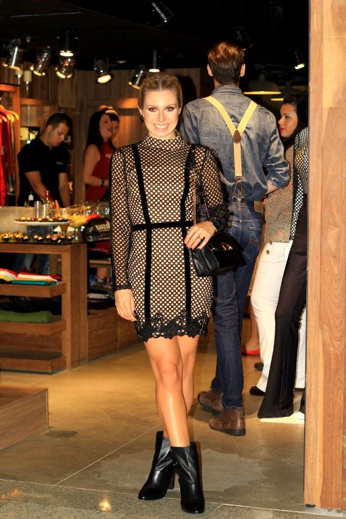 Mirella_Natalia_Baroni_Boulevard_Shopping_34